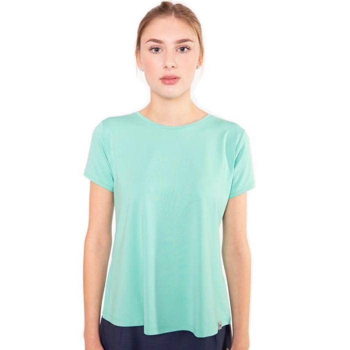 Hellgrünes Shirt mit Rundhals Ausschnitt aus hochwertiger Viskose welches zur Tallie hin in geschwungene Falten zu einer leichten Glockenform fällt von Haye Fashion aus Hamburg